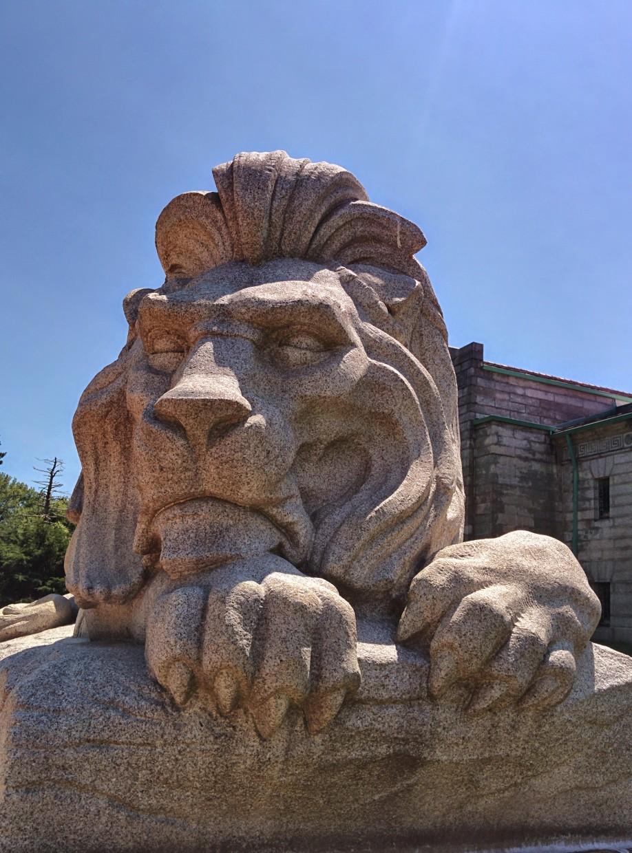 Oak Grove Cemetery lion